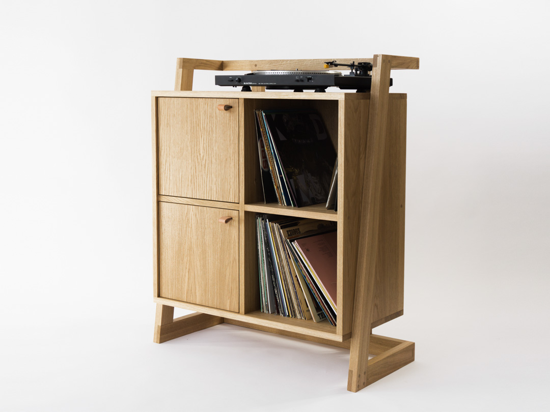 Oak turntable cabinet and record storage